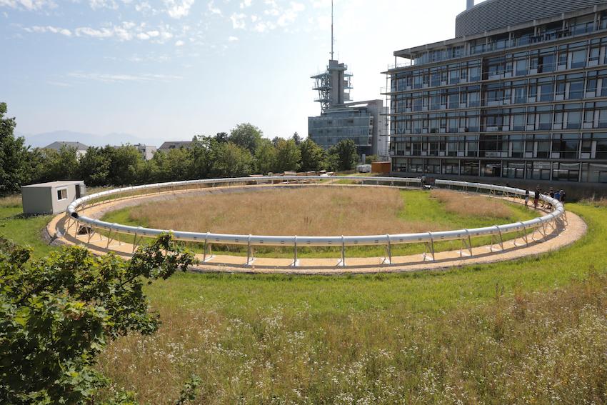 Het hyperloop-testtraject van EPFL (foto door: Murielle Gerber/EPFL)